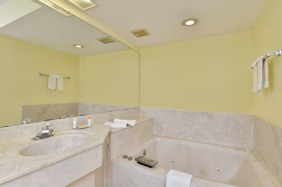 Americas Best Value Inn - Satellite Beach / Melbourne : Jacuzzi Room