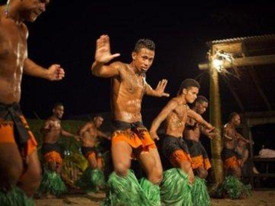 Robinson Crusoe Island Resort: Shows