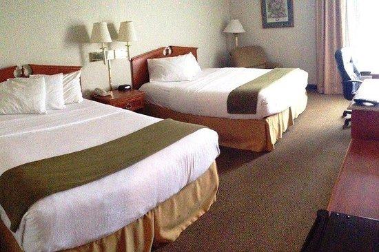 Red Roof Inn Valley: 2 Queen Beds