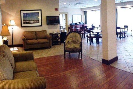 Red Roof Inn Valley: Lobby