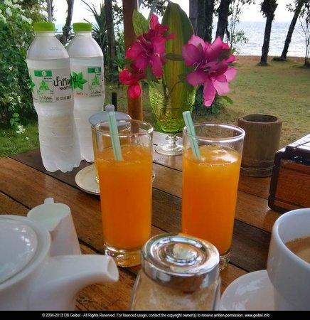 Little Moon Villa Resort: Fresh juice for breakfast