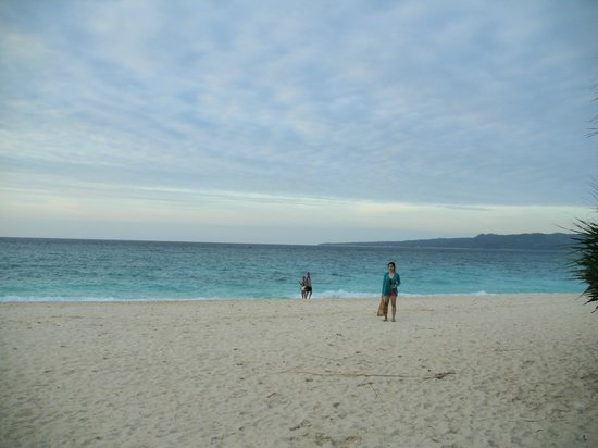 Boracay Ecovillage Resort and Convention Center: Puka beach