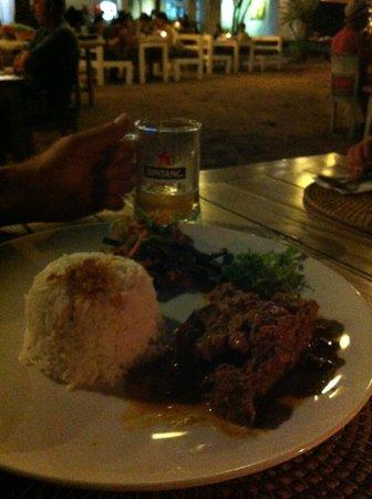 Sand Beach Club & Restaurant: Beef rendang