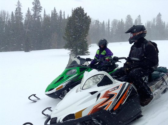‪Canyon Adventures Snowmobile Tours‬