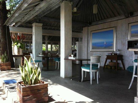 Sand Beach Club & Restaurant: Inside seating