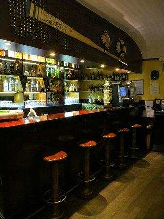 Skipper American Bar Ristorante: Bancone