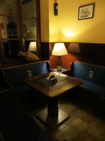 Skipper American Bar Ristorante: Saletta interna non fumatori con tipici arredi in stile marinaro