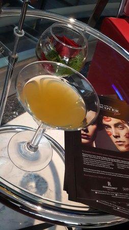 Renaissance Izmir Hotel: Sevgililer günü ve welcome drink