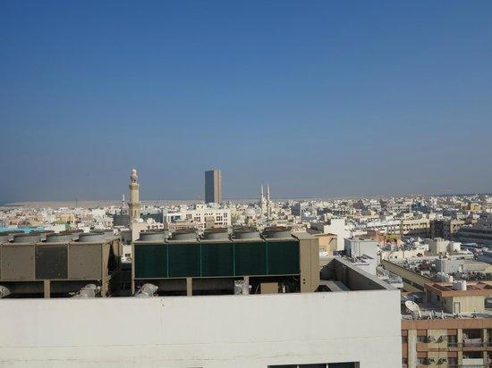 Landmark Hotel Baniyas: вид в крыши