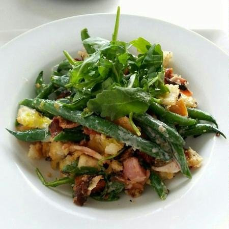 Deluca cafe: green beans, bacon, paemesan, sun dried tomatoes...