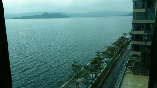 Horizon Suite Hotel : The View