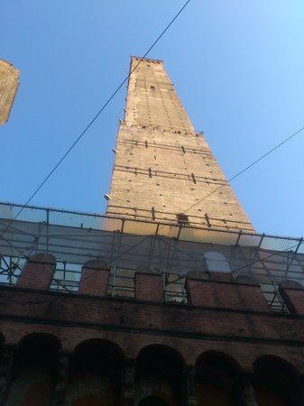 Torre Prendiparte: すぐ近くで撮影