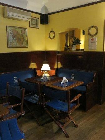 Skipper American Bar Ristorante: Saletta non fumatori (2)
