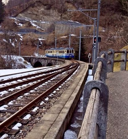 Vigezzina-Centovalli Railway : winding round the mountain pass to take us home