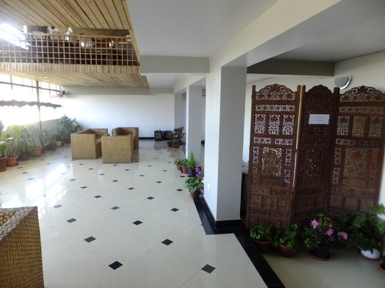 Hotel Anand Palace: Lobby area