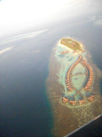 Diamonds Thudufushi : la vue des atol du desssus