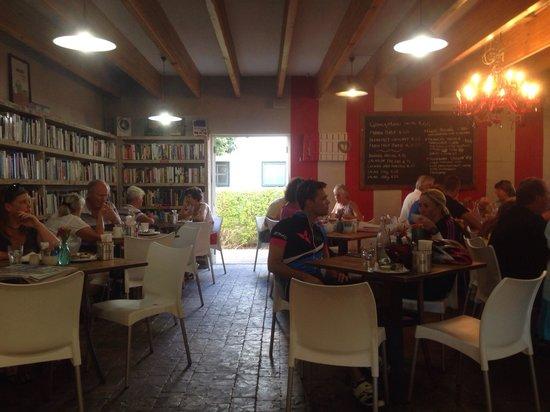 The Foodbarn Restaurant: Inside the foodbarn
