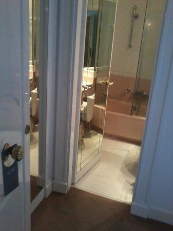 Grand Hotel Des Bains: Camera-Bagno
