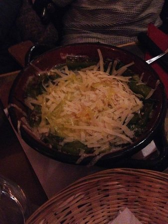 IL Pacioccone: Stoved asparagus with egg and shredded parmazan