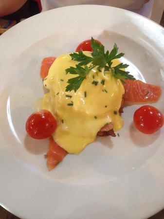 The Foodbarn Restaurant: Eggs Benedict