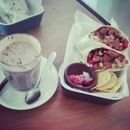 El Cafe: ..