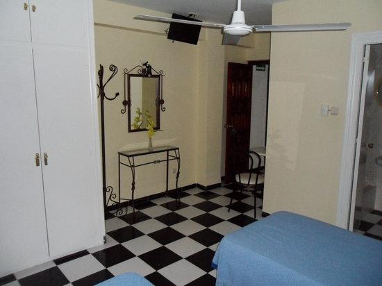 Hostal Micaela : Room-Habitacion