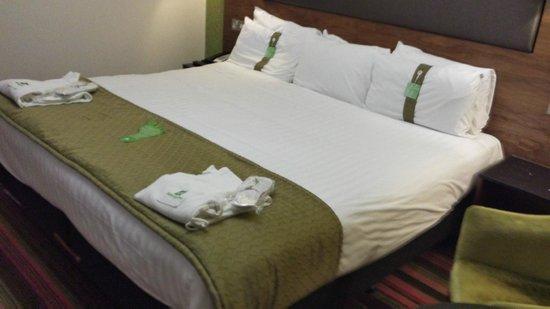 Holiday Inn Newcastle - Jesmond: HI Jesmond - Large bed
