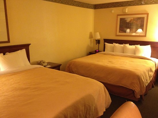 Country Inn & Suites By Carlson, Naperville: Beds