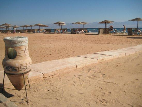 Sofitel Taba Heights: пляж