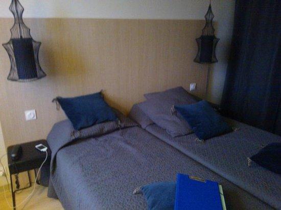 """La Quietat : lits, chambre """"twin confort"""""""