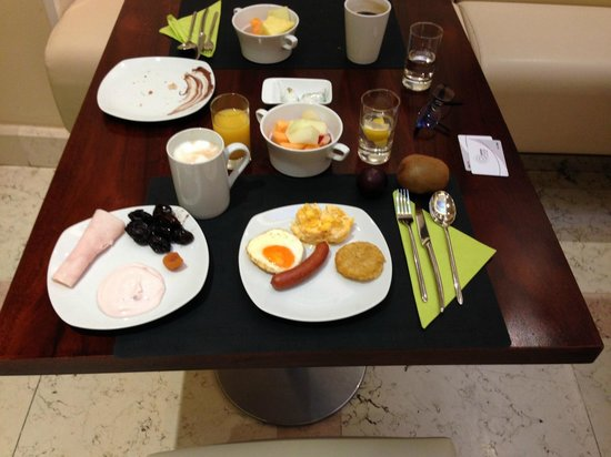 Hotel Sovereign : Petit Déjeuner