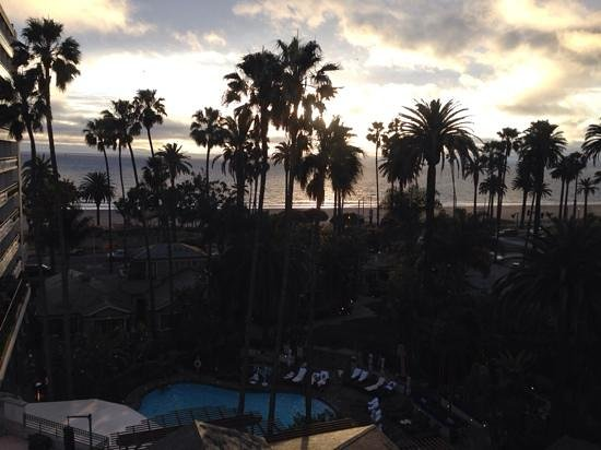 Fairmont Miramar Hotel & Bungalows: sunset view from room