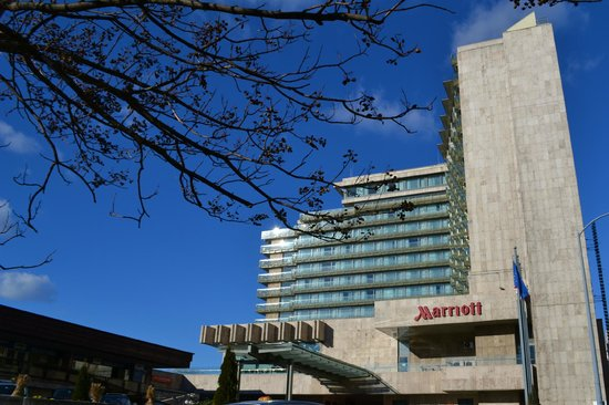 Budapest Marriott Hotel : the hotel from outside