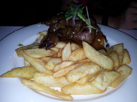 Ibis Styles Canberra Eaglehawk : Food