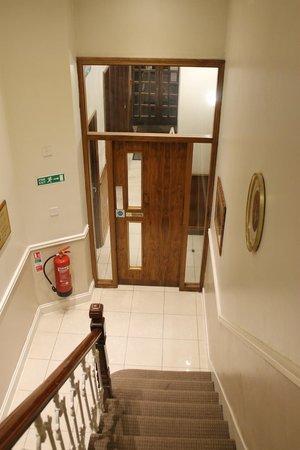 Westbury Hotel Kensington: scale