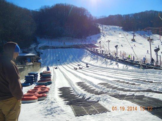 Ober Gatlinburg Amusement Park & Ski Area : Snow tubing