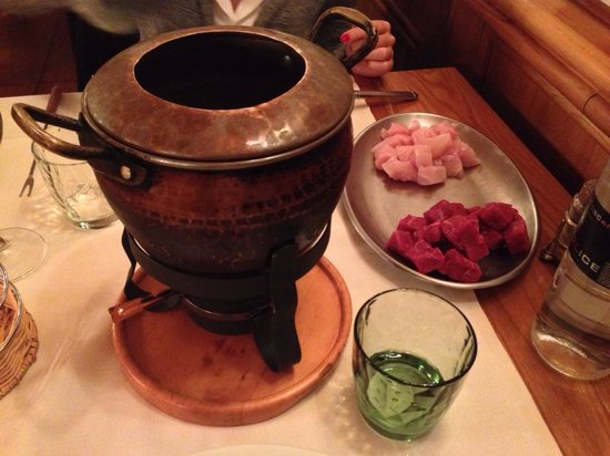La Fondue: Bourghignon con mix di manzo e pollo