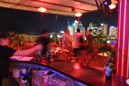 The Rooftop Lounge: Animated nights...the best expat spot in town.