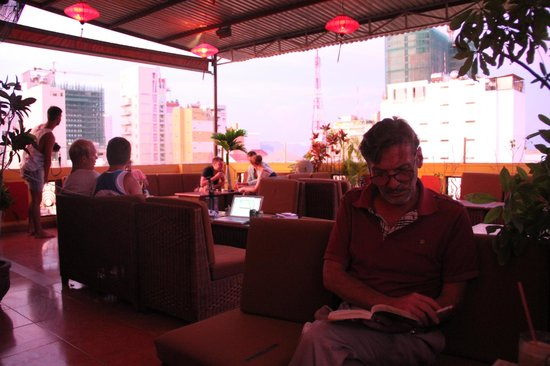 The Rooftop Lounge: Best place to relax in the day!