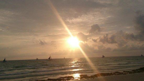 Boracay Beach Club: Amazing Sunsets
