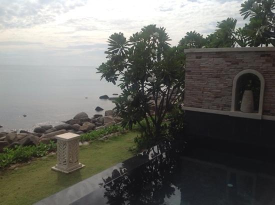The Sarann: vista oceano da pool villa