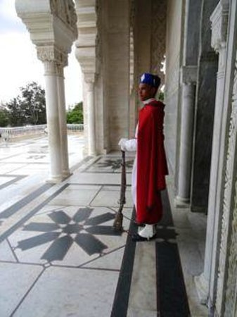 Mausolée de Mohammed V : Guard at Mausoleum