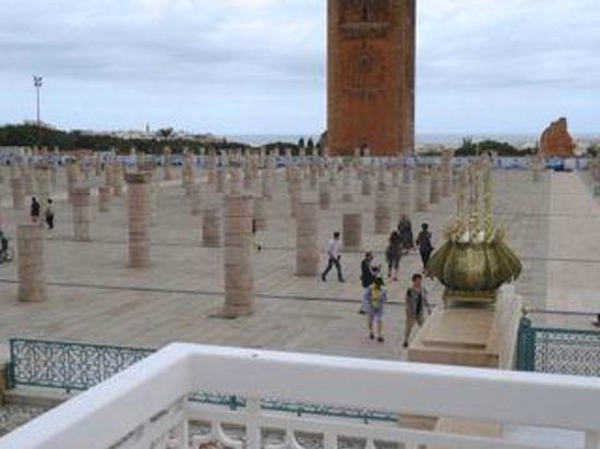 Mausolée de Mohammed V : Mosque ruins