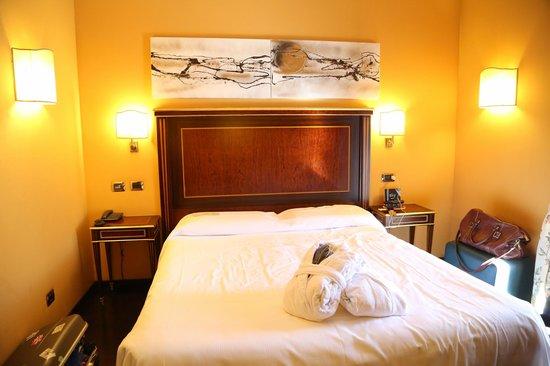 Trilussa Palace Congress & Spa: lit confortable et de bonne taille