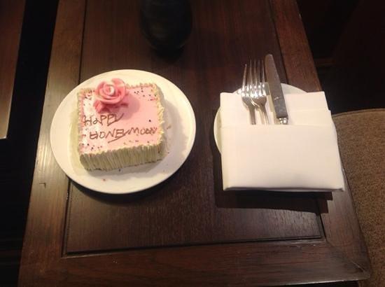 The Sukosol: torta per honeymoon