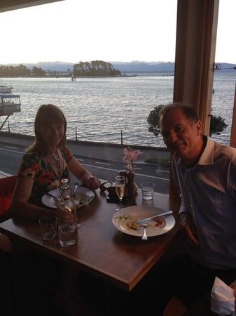 Harbour Light Bistro: The sun has just set. A magical outlook