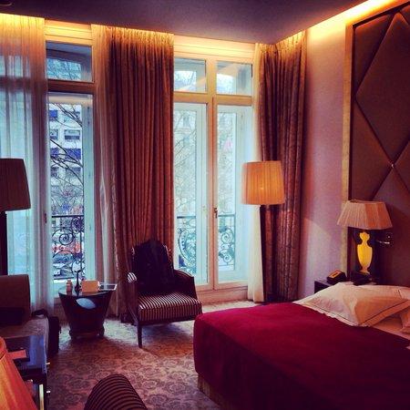 Hôtel Barrière Le Fouquet's Paris : The room