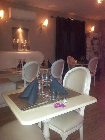 La Table des Gourmets: La salle