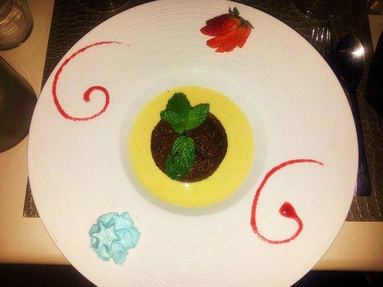 La Table des Gourmets: Moelleux au chocolat crème anglaise