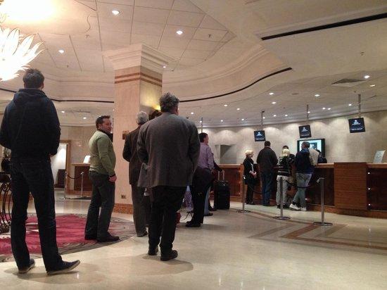Hilton Birmingham Metropole Hotel: Check out chaos